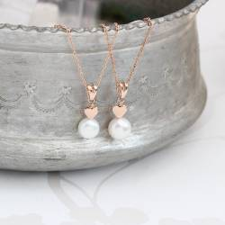 mama et moi peacock pearl pendant with rose gold hearts for new mum and child jewellery gift set