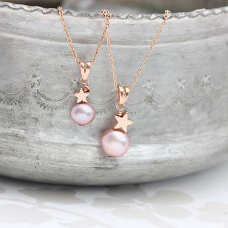 mama et moi pink pearl pendants with rose gold star mum and daughter sets