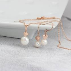 white pearl pendant with heart in rose gold and matching pearl stud earrings , jewellery gift set for her