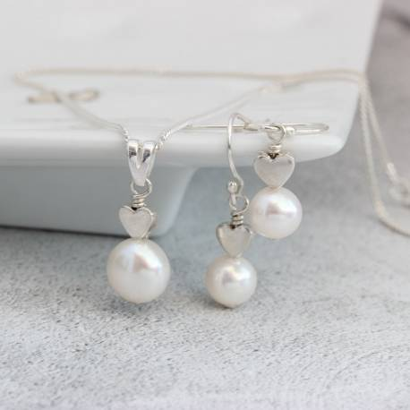 white pearl pendant with heart in sterling silver and pearl drop earrings, delicate jewellery set gifts for her birthday