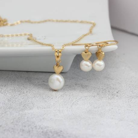 bridal white pearl pendant with heart in gold and matching drop pearl stud earrings, dainty wedding jewellery set for a bride