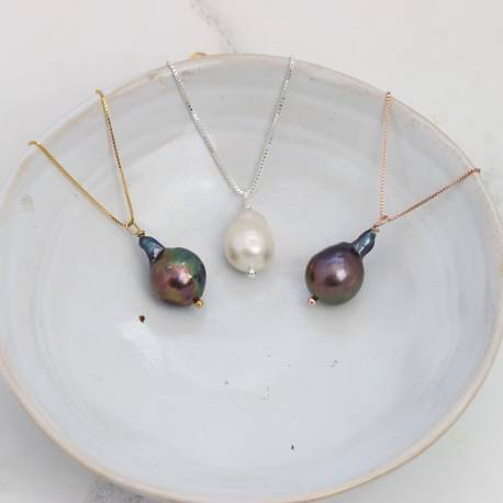 modern white or black meteor pearl pendant necklaces in silver, rose gold or gold chain
